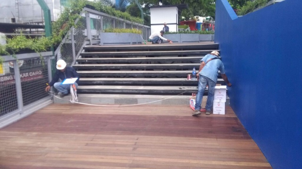 decking kayu skywalk cihampelas